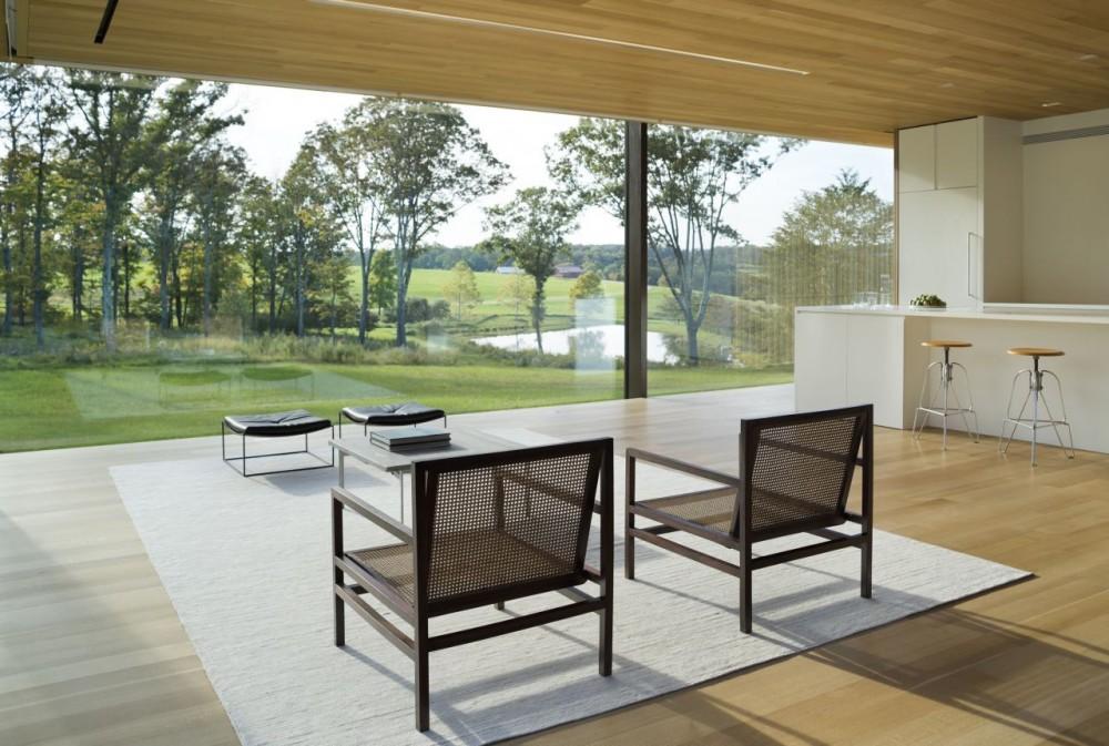 51770c1db3fc4bc676000017_lm-guest-house-desai-chia-architecture_lm_guest_house-living_rm-1000x673